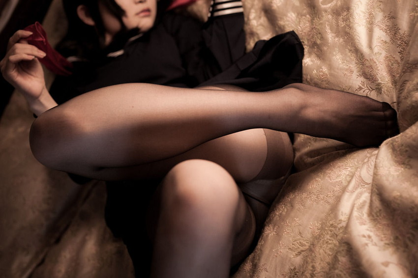 【セーラー冬服服エロ画像】清楚で露出が少ないのにロリでエロい!セーラー冬服美少女のスカートめくって黒パンスト越しのパンティーを堪能するセーラー冬服のエロ画像集!ww【80枚】 25