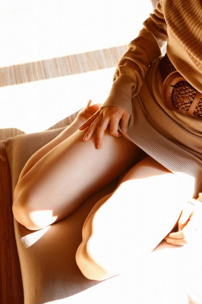 【ニットワンピエロ画像】ボディラインがはっきり分かるニットワンピで胸チラやパンティーラインを見せつけてくれるニットワンピのエロ画像集!w【80枚】 23