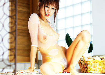 【シースルーエロ画像】S級美女が胸ポチ状態のノーブラシャツやスケスケランジェリーで乳首や陰毛、まんすじ晒してくれてるシースルーエロ画像集!w【80枚】