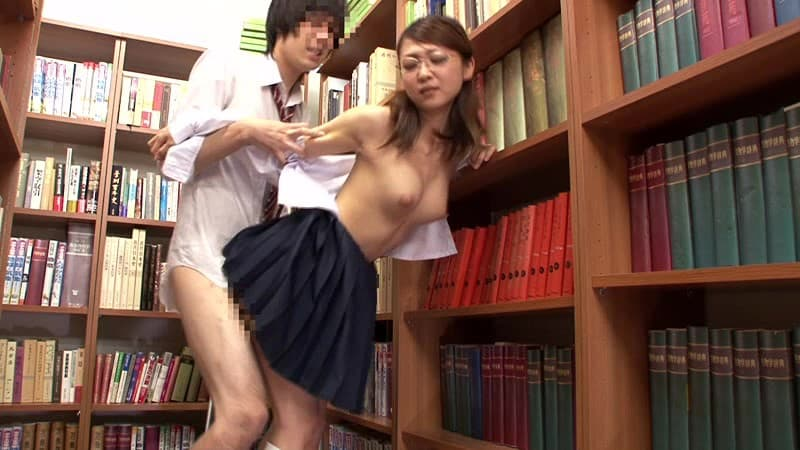 【図書館エロ画像】最近は勉強がてら優等生のロリJKを痴漢したり痴女な司書の爆乳揉んで乱交セックスできるらしい図書館のエロ画像集!ww【80枚】 61