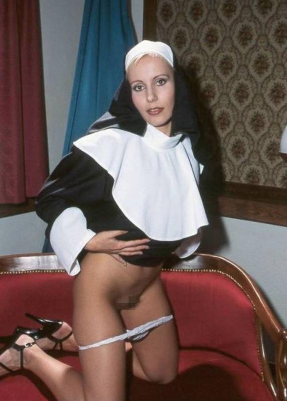 【シスターエロ画像】修道女は処女のハズなのにイラマチオされて輪姦調教されちゃってるシスターのエロ画像集ww【80枚】 30