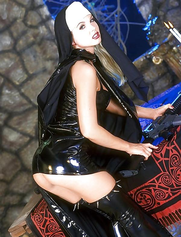 【シスターエロ画像】修道女は処女のハズなのにイラマチオされて輪姦調教されちゃってるシスターのエロ画像集ww【80枚】 47