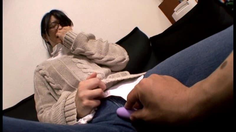 【文系女子エロ画像】図書室にいるメガネっ娘でおとなしい文系女子にフェラを教えて制服めくってJKまんこを調教しちゃった文系女子のエロ画像集ww【80枚】 75