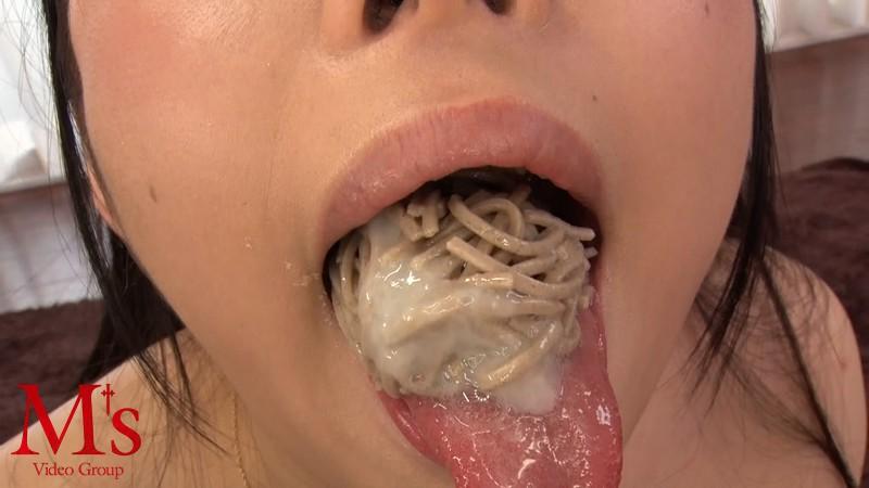 【食ザーエロ画像】精子大好き過ぎるビッチなロリ娘やお姉さんたちがザーメンを食べ物につけてごっくんしまくる食ザーエロ画像集!w【80枚】 33