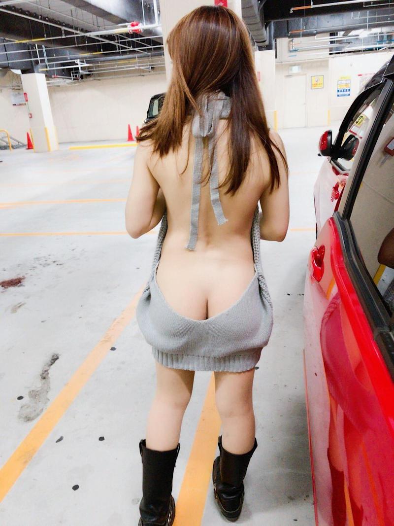 【美背中エロ画像】スタイル抜群のS級お姉さんは脱衣したクビレばっちりな背中だけで男をイカせるという噂!ww美味しそう過ぎる美背中のエロ画像集【80枚】 17