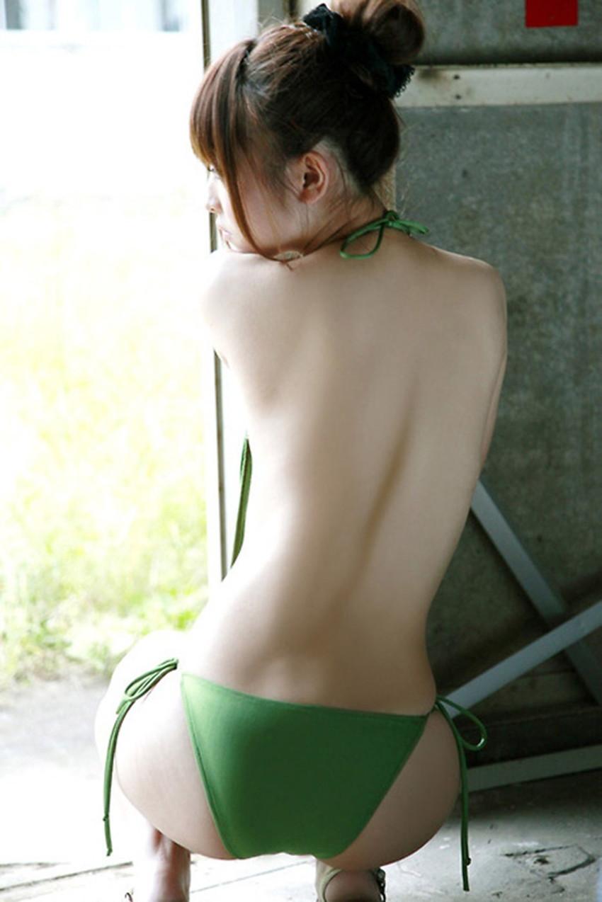 【美背中エロ画像】スタイル抜群のS級お姉さんは脱衣したクビレばっちりな背中だけで男をイカせるという噂!ww美味しそう過ぎる美背中のエロ画像集【80枚】 63