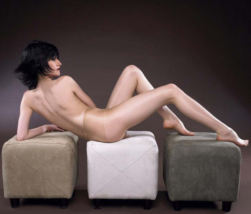 【美背中エロ画像】スタイル抜群のS級お姉さんは脱衣したクビレばっちりな背中だけで男をイカせるという噂!ww美味しそう過ぎる美背中のエロ画像集【80枚】 78