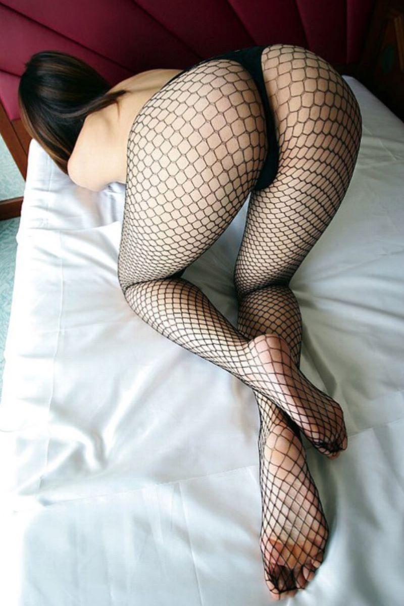 【網タイツエロ画像】美脚女子の網タイツは脚舐めしたり足コキさせたりビリビリに破ってクンニや騎乗位挿入するために存在するんだ!と信じて止まない網タイツのエロ画像集w【80枚】 25