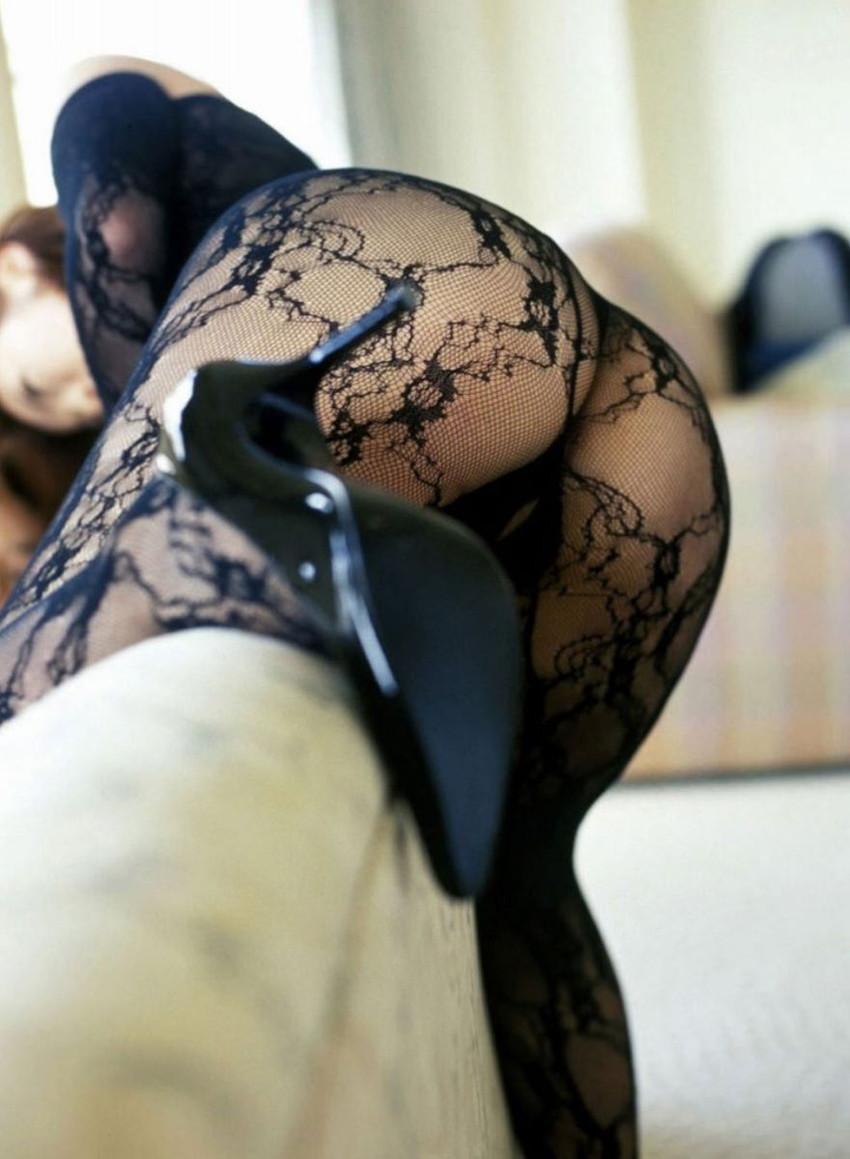 【網タイツエロ画像】美脚女子の網タイツは脚舐めしたり足コキさせたりビリビリに破ってクンニや騎乗位挿入するために存在するんだ!と信じて止まない網タイツのエロ画像集w【80枚】 68