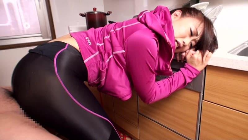 【スパッツエロ画像】スポーツ女子の汗で蒸れたスパッツの股間に顔面突っ込みスパッツ破りしてみたい!汗の匂いが伝わってきそうなスパッツエロ画像集!ww【80枚】 36