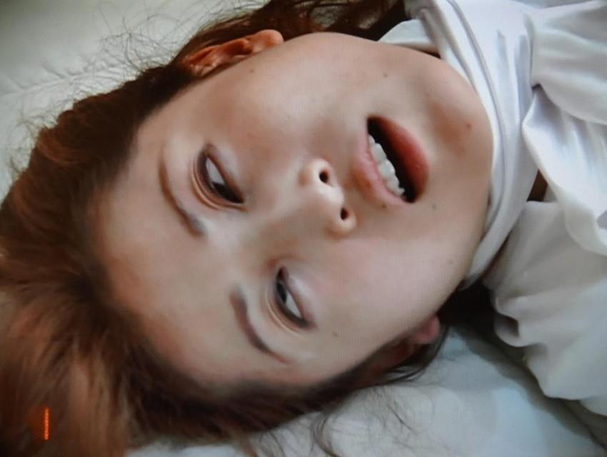 【白目エロ画像】キレイな女の子たちが手マンや電マ調教、巨根をブチ込まれて白目を剥いてアクメしちゃってる白目のエロ画像集ww【80枚】 23