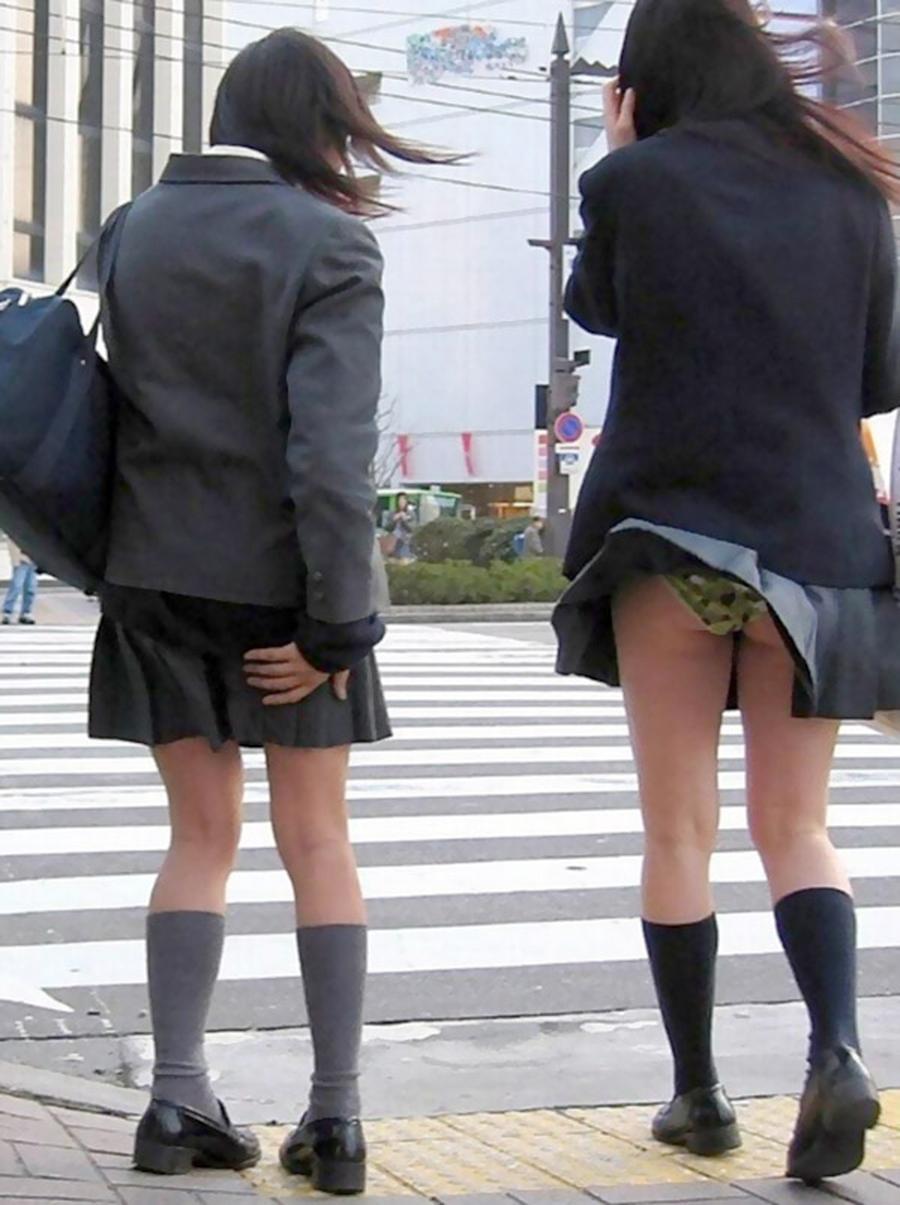 痴女セックス女子中学生が悲惨な姿が全裸よりエ□い画像