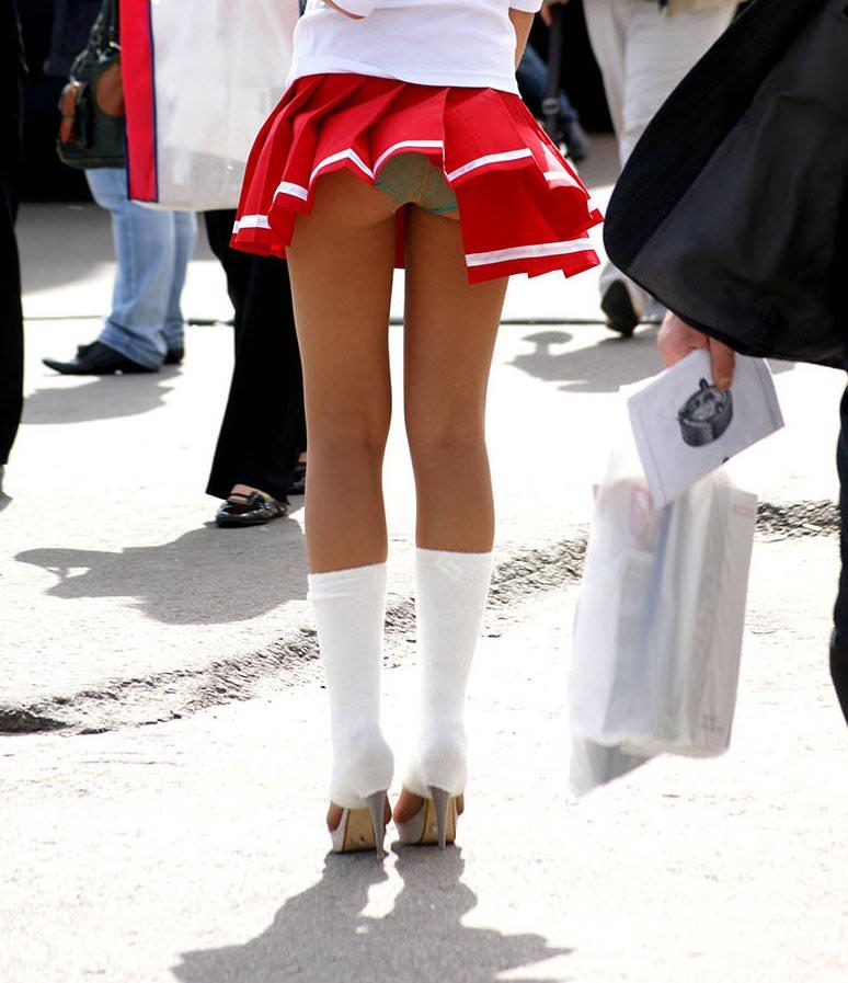【風パンチラエロ画像】まさに神風!!登下校中の素人JKやスカートのお姉さんたちが風パンチラして盗撮されちゃってる風パンチラのエロ画像集ww【80枚】 07