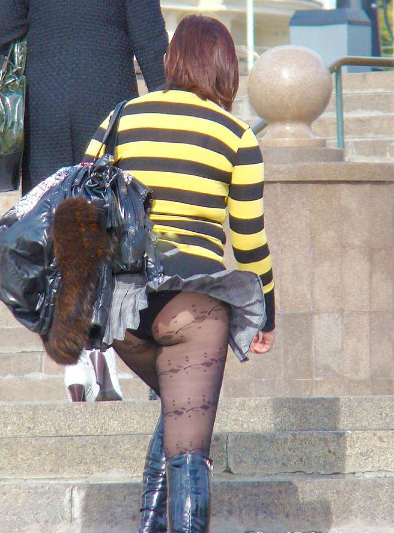 【風パンチラエロ画像】まさに神風!!登下校中の素人JKやスカートのお姉さんたちが風パンチラして盗撮されちゃってる風パンチラのエロ画像集ww【80枚】 65