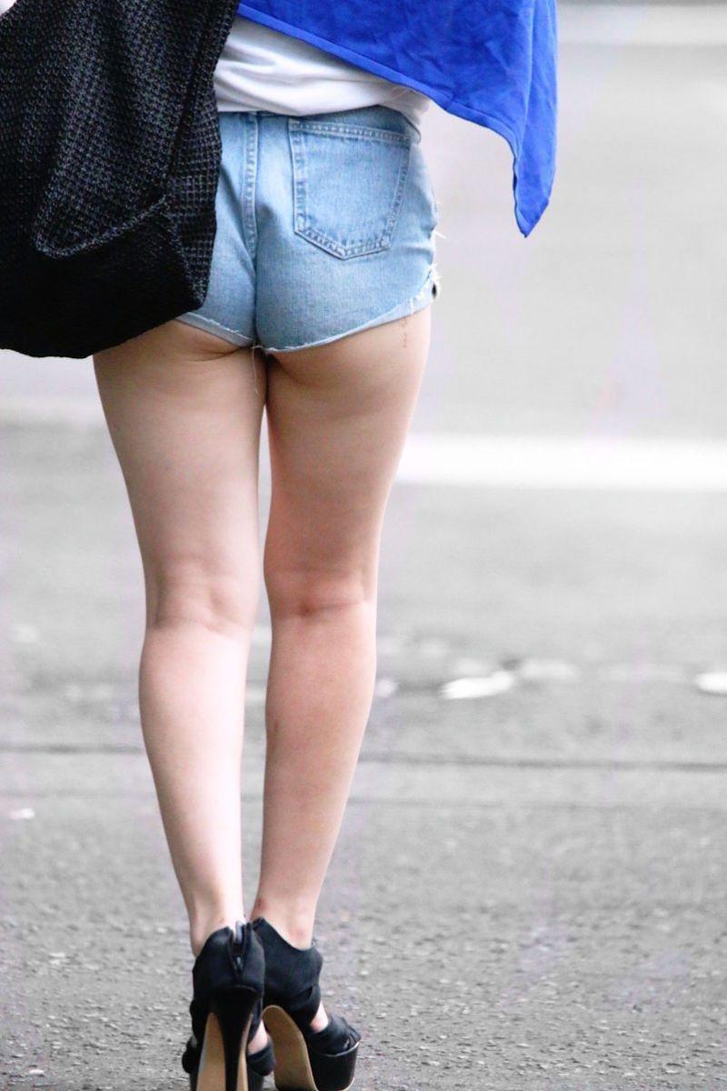 【ハミケツエロ画像】美尻のむっちりケツ肉がショートパンツや水着からハミ出てるハミケツエロ画像集!ww【80枚】 29