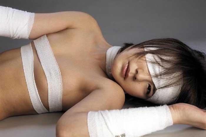 【包帯美少女エロ画像】包帯巻いた美少女JKに超興奮!ノーブラ乳首を弄ったり包帯をめくって巨根をブチ込んじゃった包帯美少女のエロ画像集!w【80枚】 40