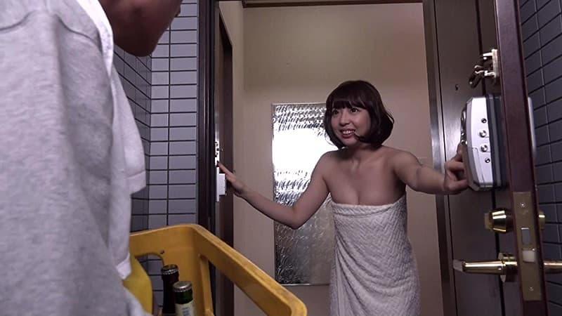 【バスタオルエロ画像】セックスの気分を盛り上げてくれる最強アイテムバスタオル!バスタオルが取れて胸チラやマンチラしてる美女や人妻たちのバスタオルエロ画像集!ww【80枚】 35