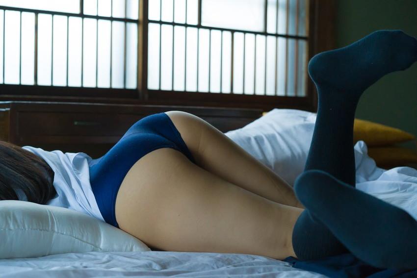 【ブルマエロ画像】汗の匂いと美尻やまんすじの食い込みが最高にエロいブルマ体操服!紺色やエンジ色のブルマを履いたJKと夢の着衣セックスしちゃってるブルマのエロ画像集!ww【80枚】 16
