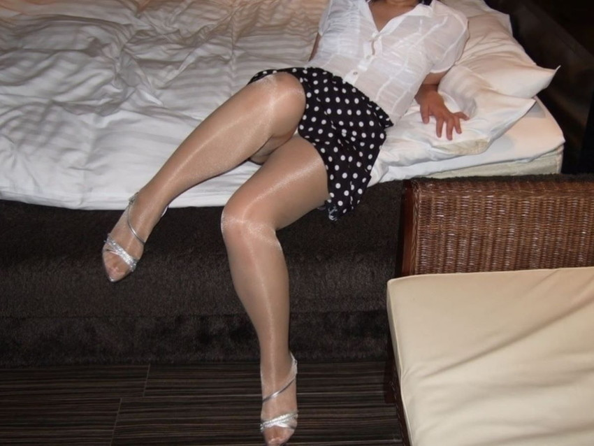 【熟女ストッキングエロ画像】もう不倫相手に破られて寝取られるために存在してるのではと思ってしまう熟女ストッキングのエロ画像週!w【90枚】 45