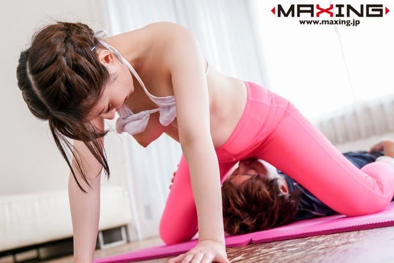 【トレーニングエロ画像】ダイエットやヨガでトレーニングしてる美女のスポブラめくって汗だくおっぱいを揉みまくる!リア充気取ってるトレーニング女子のおっぱい画像集ww【80枚】 21