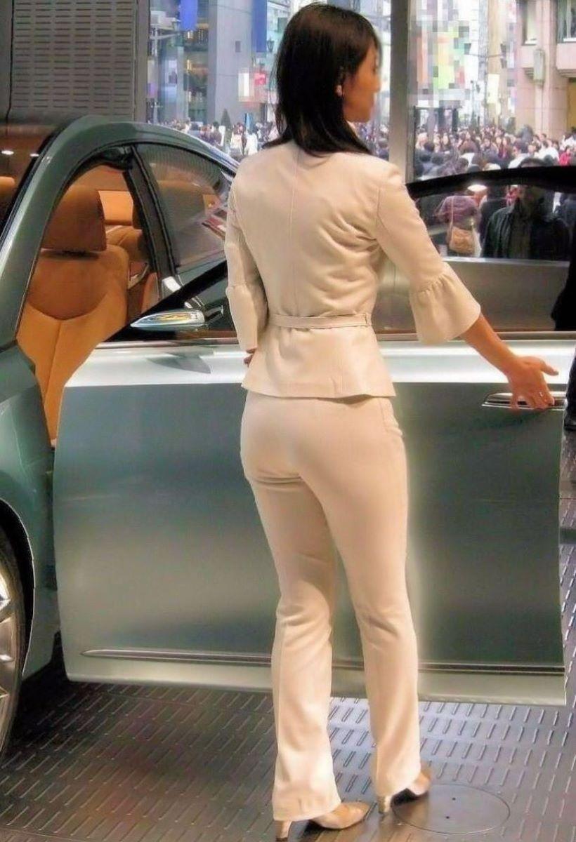 【パンティーラインエロ画像】素人美女のピタパンやタイトスカートから見えるパンティーラインを盗撮!美尻に顔面突っ込みたくなるパンティーラインのエロ画像集!ww【80枚】 30