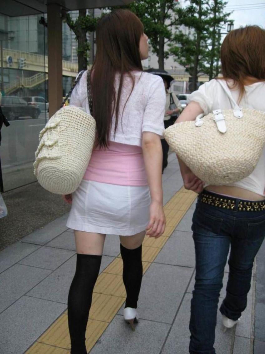 【パンティーラインエロ画像】素人美女のピタパンやタイトスカートから見えるパンティーラインを盗撮!美尻に顔面突っ込みたくなるパンティーラインのエロ画像集!ww【80枚】 37
