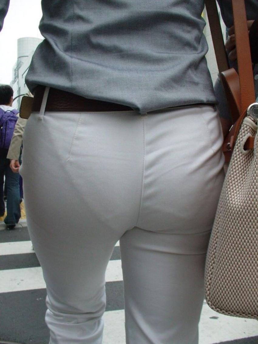 【パンティーラインエロ画像】素人美女のピタパンやタイトスカートから見えるパンティーラインを盗撮!美尻に顔面突っ込みたくなるパンティーラインのエロ画像集!ww【80枚】 53