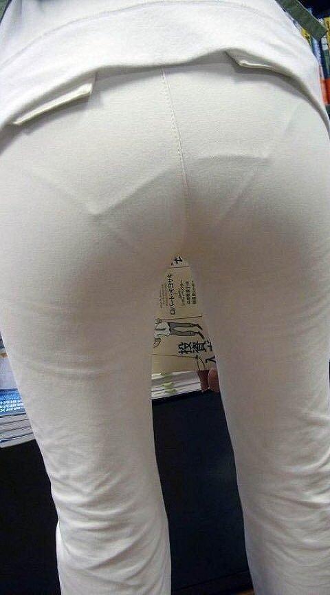 【パンティーラインエロ画像】素人美女のピタパンやタイトスカートから見えるパンティーラインを盗撮!美尻に顔面突っ込みたくなるパンティーラインのエロ画像集!ww【80枚】 55