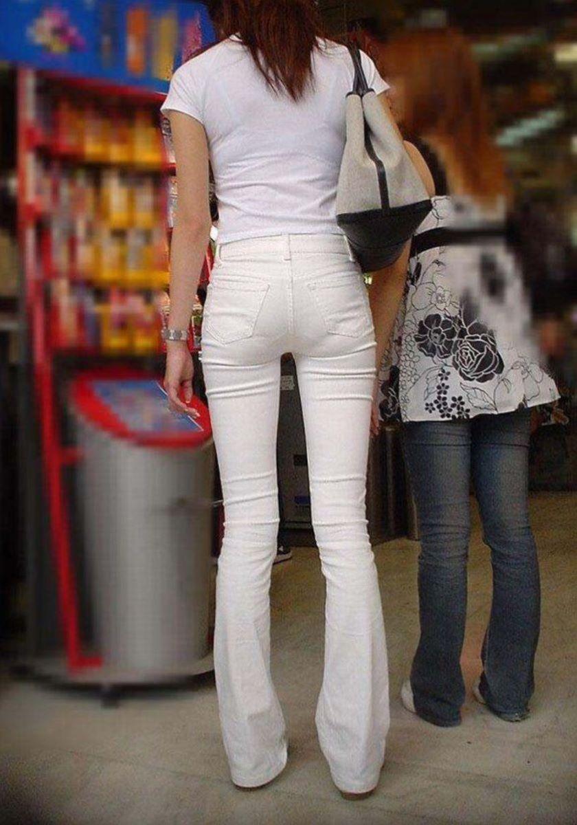 【パンティーラインエロ画像】素人美女のピタパンやタイトスカートから見えるパンティーラインを盗撮!美尻に顔面突っ込みたくなるパンティーラインのエロ画像集!ww【80枚】 60