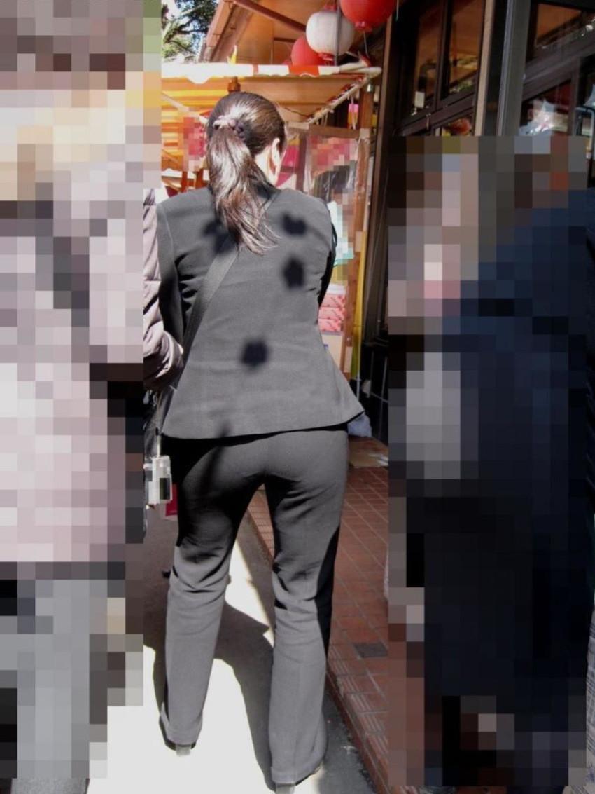 【パンティーラインエロ画像】素人美女のピタパンやタイトスカートから見えるパンティーラインを盗撮!美尻に顔面突っ込みたくなるパンティーラインのエロ画像集!ww【80枚】 63