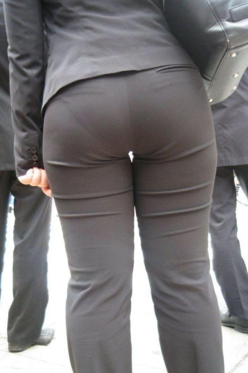 【パンティーラインエロ画像】素人美女のピタパンやタイトスカートから見えるパンティーラインを盗撮!美尻に顔面突っ込みたくなるパンティーラインのエロ画像集!ww【80枚】 67