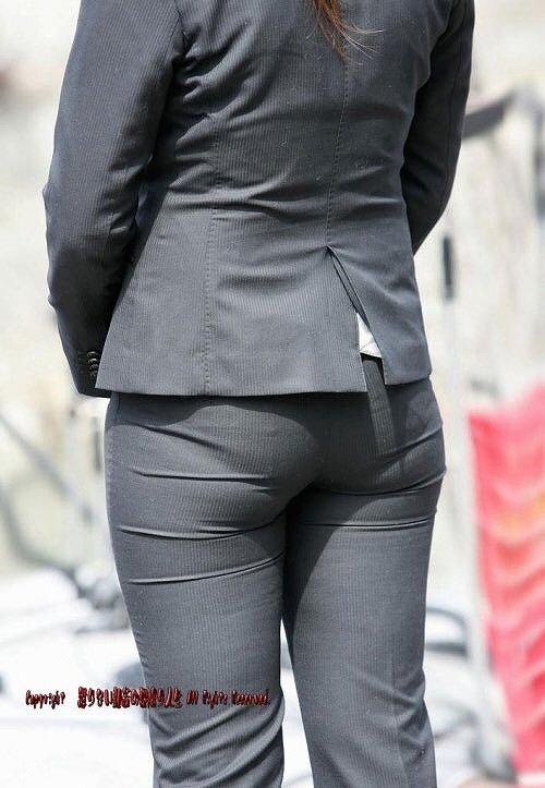 【パンティーラインエロ画像】素人美女のピタパンやタイトスカートから見えるパンティーラインを盗撮!美尻に顔面突っ込みたくなるパンティーラインのエロ画像集!ww【80枚】 79