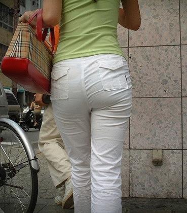 【パンティーラインエロ画像】素人美女のピタパンやタイトスカートから見えるパンティーラインを盗撮!美尻に顔面突っ込みたくなるパンティーラインのエロ画像集!ww【80枚】 80