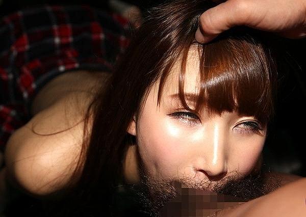 【イラマチオエロ画像】美女のクチマンコに勃起巨根をブチ込み唾液まみれに!!喉奥まで突っ込みまくったイラマチオのエロ画像集!ww【80枚】 72