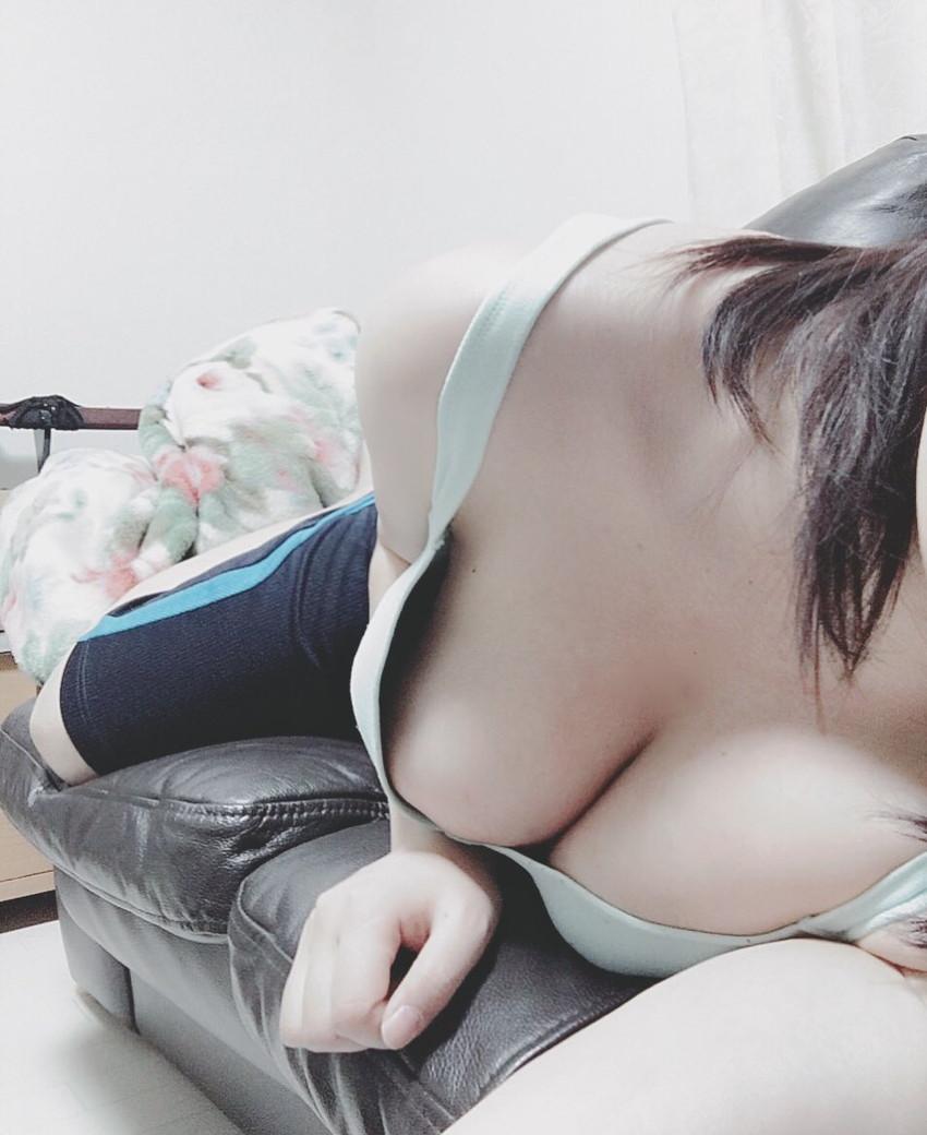 【自撮りエロ画像】まだロリな美少女やSNSでいいね!が欲しい素人娘が自撮りのパンチラや胸チラ画像をアップしちゃった自撮りのエロ画像集www【80枚】 31
