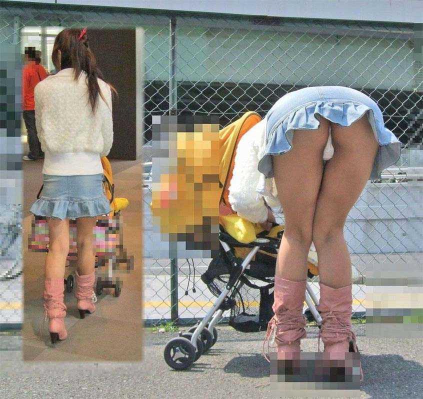 【パンチラママエロ画像】子供に気を取られてパンチラしてる素人奥さんの股間を盗撮したったパンチラママのエロ画像集!w【80枚】 20