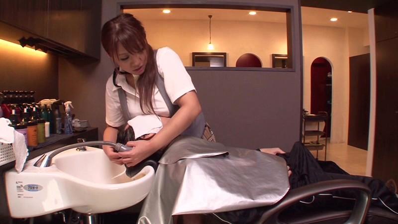 【美容師エロ画像】デカパイ美容師さんが散髪中に胸チラ誘惑したら勃起ちんぽをパイズリやフェラしてサービスセックスしてくれた美容師のエロ画像集w【80枚】 80