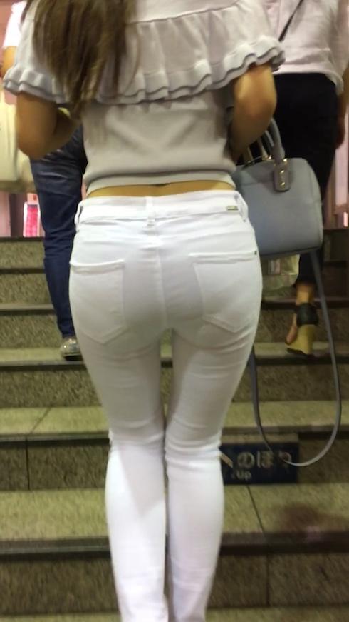 【スキニーパンツエロ画像】デカ尻エロボディな美女や人妻のスキニーパンツに顔面突っ込みたい!ピタコスで素股したり破ってバック挿入しちゃってるスキニーパンツのエロ画像集!ww【80枚】 31