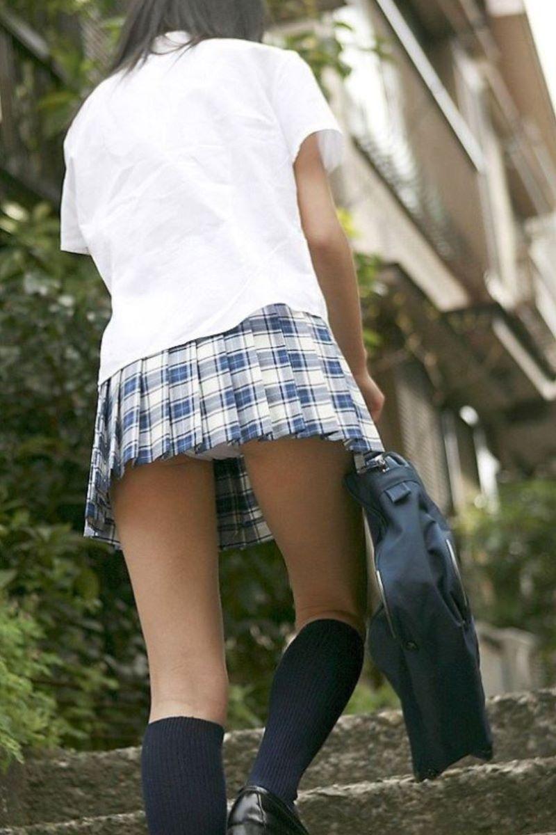 【純白パンティーエロ画像】清楚でロリな純白パンティー!陰毛がちょっと透ける愛しの純白パンティーを履いたJKや美女たちの純白パンティーエロ画像集ww【80枚】 37