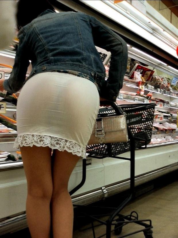 【パンティーラインエロ画像】素人OLや就活JD、ピタパンやタイトスカート女子の下着ラインを盗撮したパンティーラインのエロ画像集!ww【80枚】 43