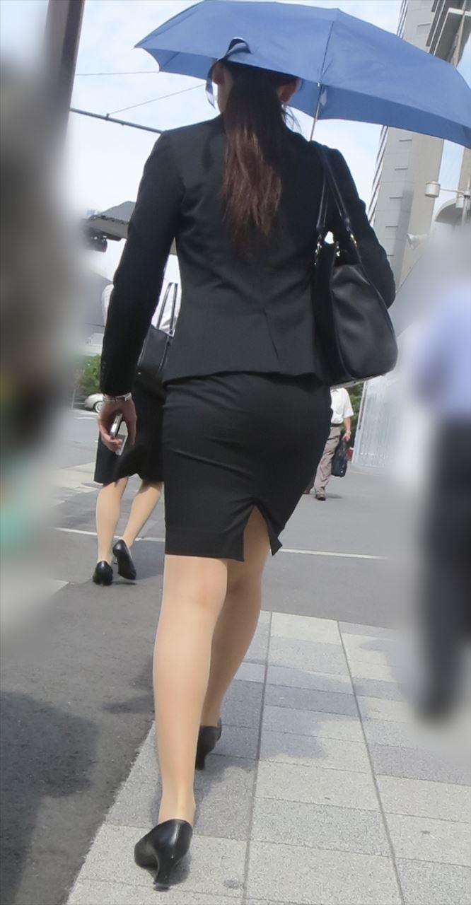 【パンティーラインエロ画像】素人OLや就活JD、ピタパンやタイトスカート女子の下着ラインを盗撮したパンティーラインのエロ画像集!ww【80枚】 50