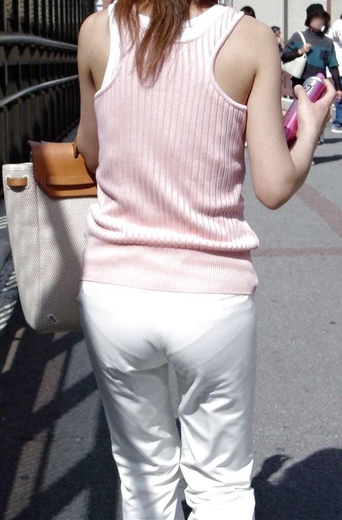 【パンティーラインエロ画像】素人OLや就活JD、ピタパンやタイトスカート女子の下着ラインを盗撮したパンティーラインのエロ画像集!ww【80枚】 74