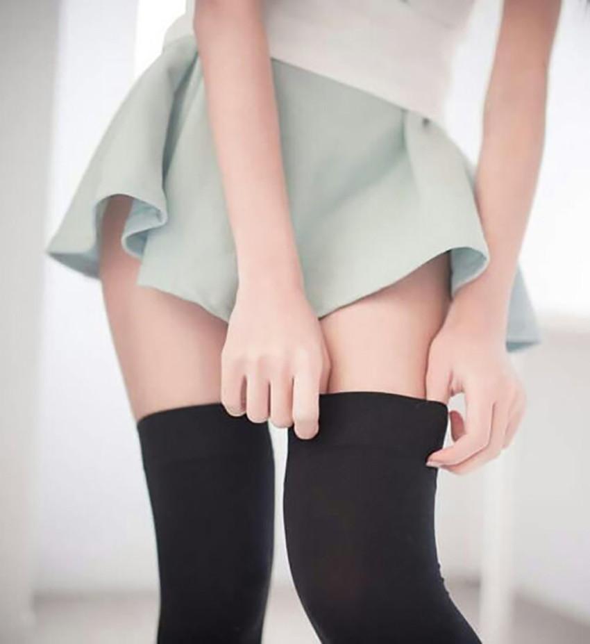 【ニーハイソックスエロ画像】絶対領域を舐めまくりたい!ニーハイソックス履いたロリな美少女のエロ画像集ww【80枚】 74
