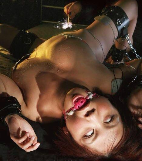 【キメセクエロ画像】セックスが百万倍気持ちよくなるドラッグでキメセク調教されて白目剥きまくってるキメセクエロ画像集!ww【80枚】 28