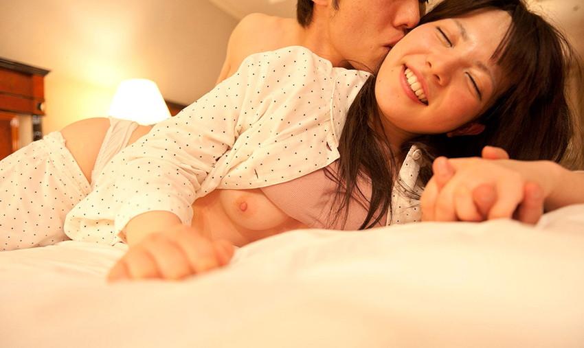 【パジャマセックス素股エロ画像】パジャマで寝てる美少女やお姉さんたちに夜這いして睡眠姦!ww目が覚めても手マンで潮吹きさせて寝取りまくったパジャマセックスのエロ画像集ww【80枚】 32