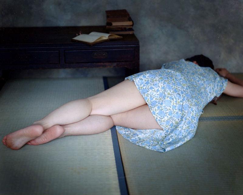 【膝裏エロ画像】フレッシュ過ぎて舐めたり膝裏足コキさせたくなる汗でムレたJKやお姉さんたちの膝裏エロ画像集!ww【80枚】 10