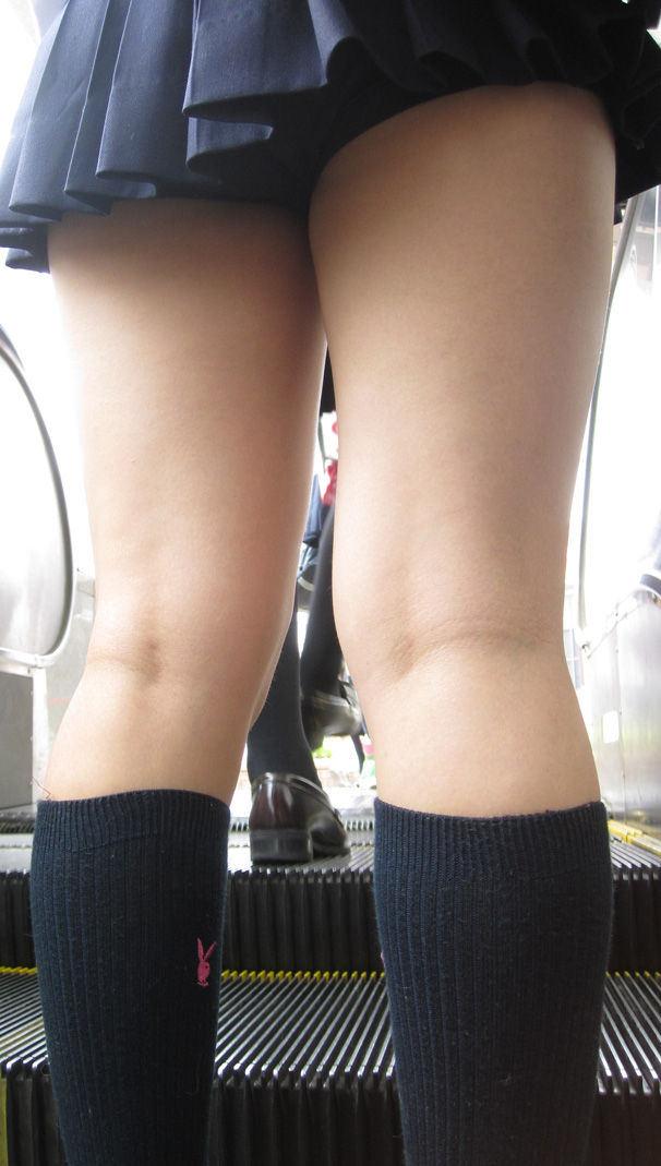 【膝裏エロ画像】フレッシュ過ぎて舐めたり膝裏足コキさせたくなる汗でムレたJKやお姉さんたちの膝裏エロ画像集!ww【80枚】 20
