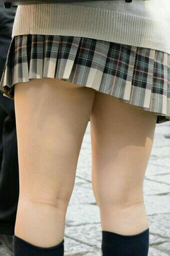 【膝裏エロ画像】フレッシュ過ぎて舐めたり膝裏足コキさせたくなる汗でムレたJKやお姉さんたちの膝裏エロ画像集!ww【80枚】 32