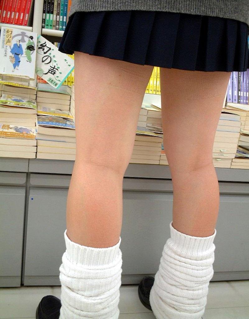 【膝裏エロ画像】フレッシュ過ぎて舐めたり膝裏足コキさせたくなる汗でムレたJKやお姉さんたちの膝裏エロ画像集!ww【80枚】 50
