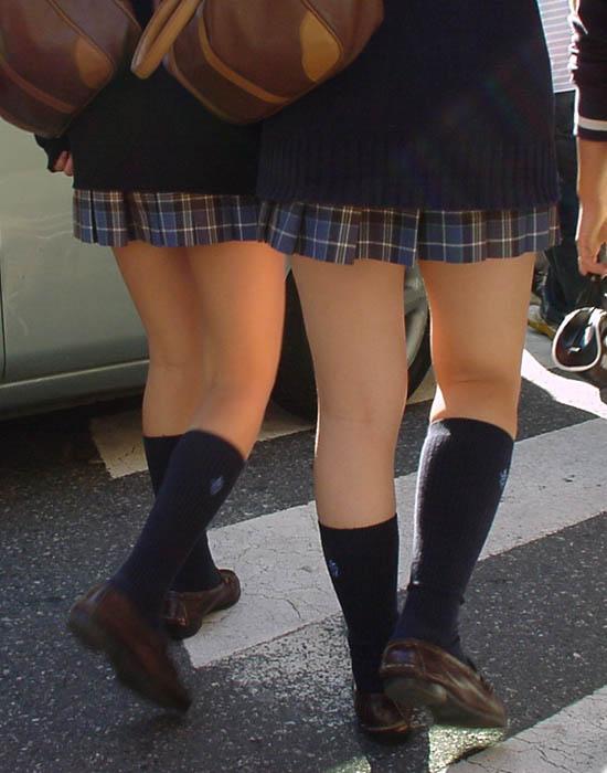 【膝裏エロ画像】フレッシュ過ぎて舐めたり膝裏足コキさせたくなる汗でムレたJKやお姉さんたちの膝裏エロ画像集!ww【80枚】 70